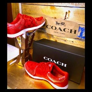 🆕Coach Karine Signature Red with white sequins🆕